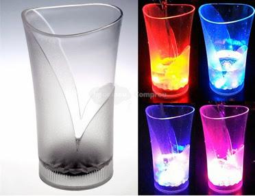 Copo de Cerveja com LED Piscante 175ml – Transparente