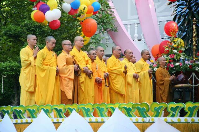 IMG 1713 Đại lễ Phật đản PL 2557 tại Tu viện Quảng Hương Già Lam