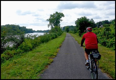 02i - Mohawk River (Erie Canal) Bike Trail heading NW - heading back the way we came