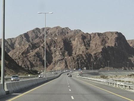 15. Soseaua Oman - Nizwa.JPG
