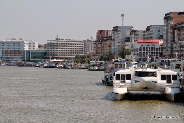 Tulcea port Delta Dunarii 5076.JPG