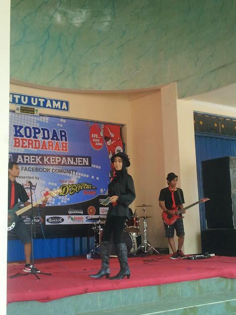 D'Electra Band menjadi guest star dalam acara Kopdar Berdarah