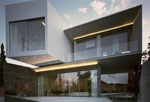 Fachada Casa Psychiko de Divercity Architects