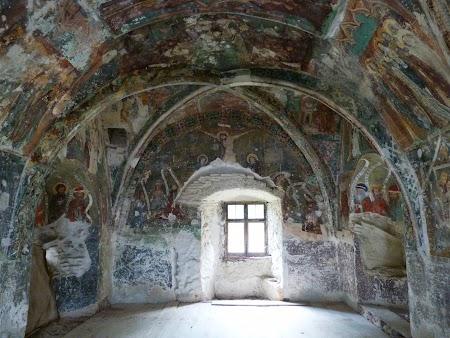 Fortificatii sasesti in Transilvania:  Capela pictata a bisericii din Harman