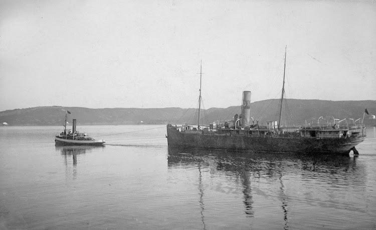 Vapor CAPITA REVUELTA yendo a desguace. Foto de la web Menorca Isla Sin Par.jpg