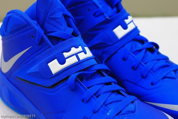 6431798b0127 Sample Look at Nike Zoom Soldier VII 7 Dyed in Royal Blue ...