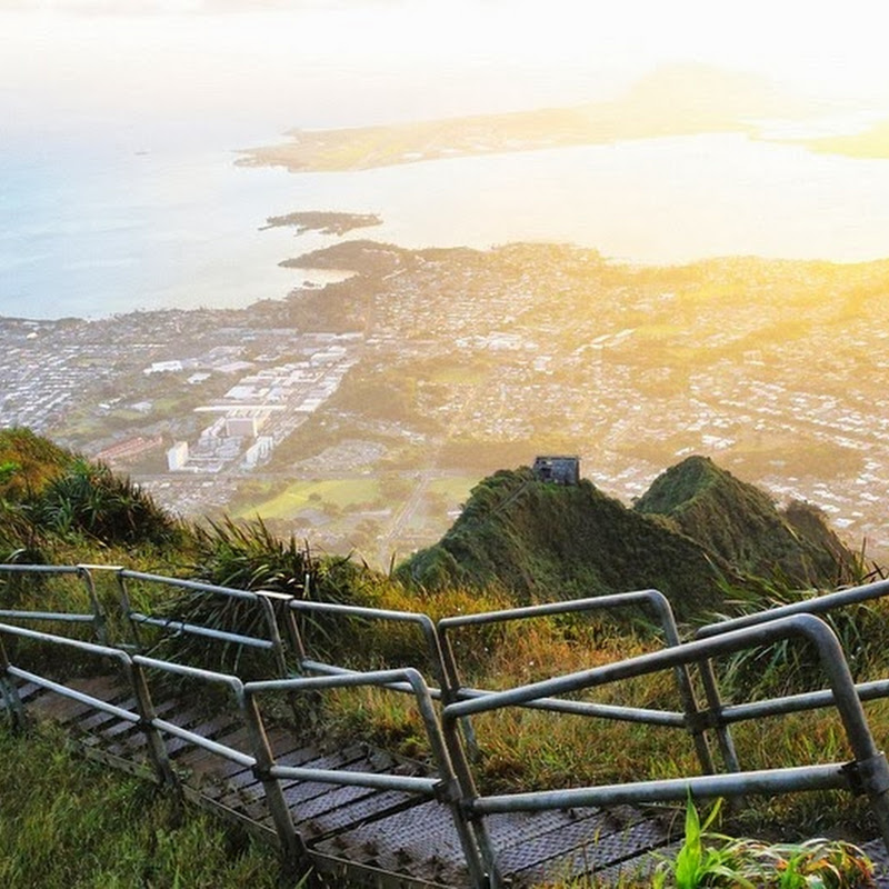 Haiku Stairs of Hawaii: The Stairway to Heaven