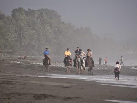 44. Calare pe plaja.JPG