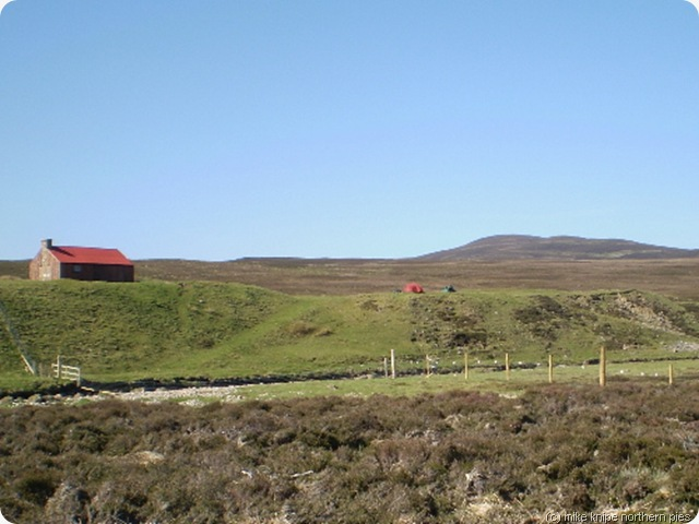 d6 red bothy and challenge tents