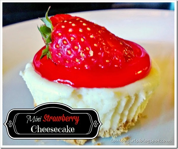 strawberry mini cheesecake