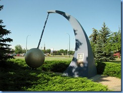 1613 Alberta Lethbridge - World's Largest Wind Gauge at Visitor Centre