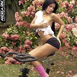 Andrea Rincon, Selena Spice Galeria 59 : Haciendo Ejercicio Al Aire Libre – AndreaRincon.com Foto 7