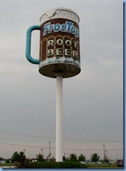 4460 Indiana - Valparaiso, IN - Lincoln Highway (State Route 2)(Laporte Ave) - FrosTop Root Beer sign