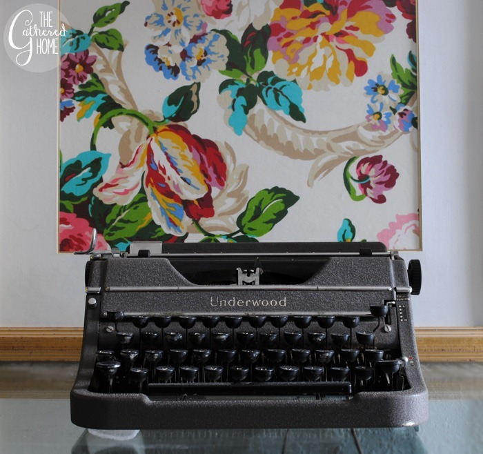 Fall In Love Living Room Makeover: Vintage Underwood Typewriter