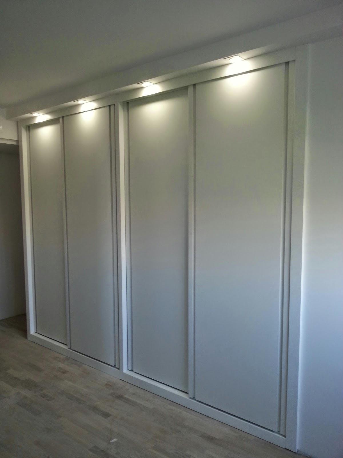 Puertas de los armarios piso juan de borbon - Iluminacion interior armarios ...