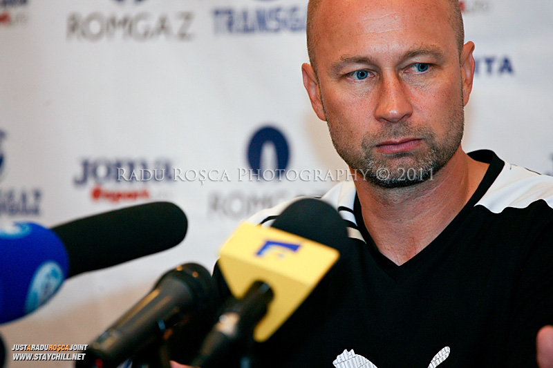 Antrenorul finlandezilor,  Esa Pekonen, la conferința de presă din finalul meciului dintre Gaz Metan Mediaș și KuPS Kuopio (Finlanda) din cadrul turului 2 preliminar al UEFA Europa League, disputat în data de 21 iulie 2011