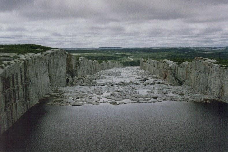 robert-bourassa-spillway-1