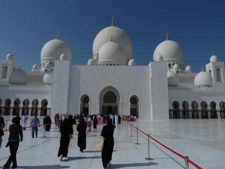 6. moschee Abu Dhabi.JPG