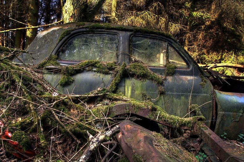 chatillon-car-graveyard-14