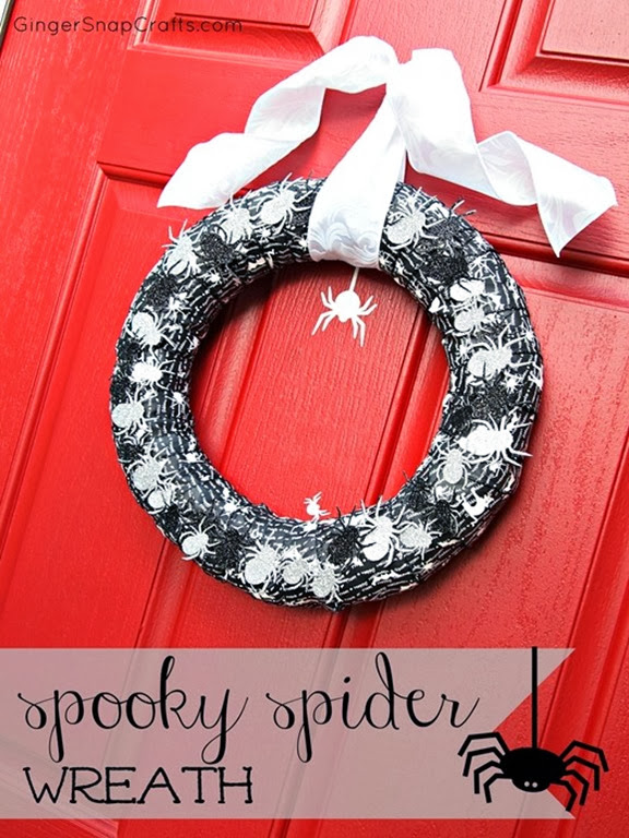 Ginger Snap Crafts spider wreath_thumb[4]