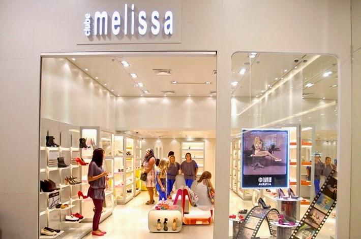 b5e140255f6 Loja oficial da MELISSA em Curitiba no Shopping Mueller. melissa nation  colecao 2014 clube melissa