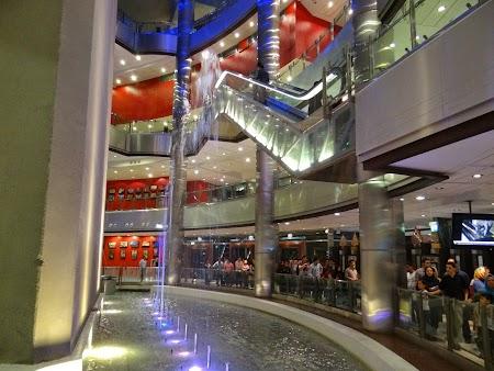 21. Mall in Teheran.JPG