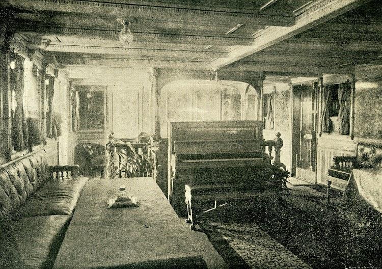 Vapor LEON XIII. Sala de musica. Foto de la revista LA NATURALEZA. AÑO 1894.jpg