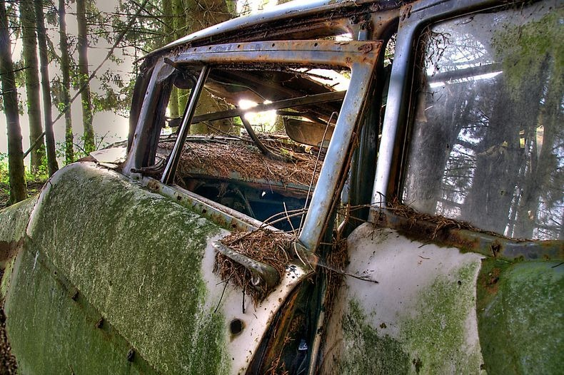 chatillon-car-graveyard-13