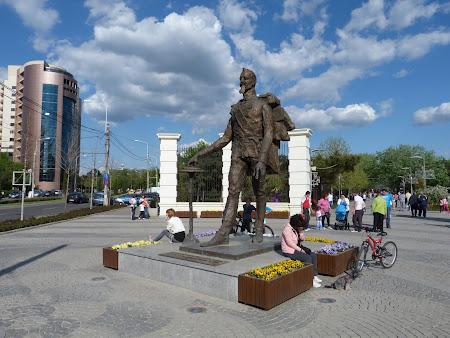 Ziua Nationala a Romaniei: Statuia Cuza Bucuresti