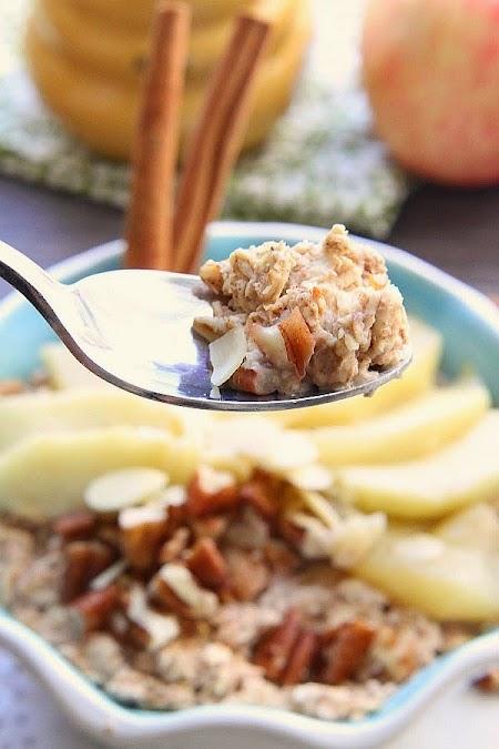 {Slow Cooker} Gingerbread Apple Oatmeal - @LifeMadeSweeter (1).jpg