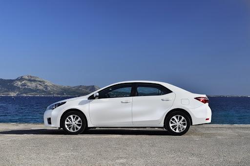 2014-Toyota-Corolla-44.jpg