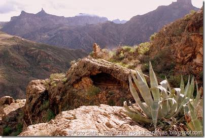 7043 Cruz Tejeda-Artenara-Guardaya(Barranco de Los Lomos)