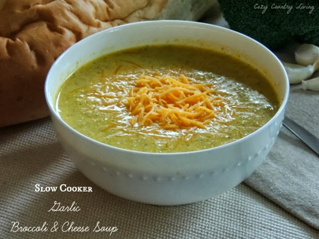 Slow-Cooker-Garlic-Broccoli-Cheese-Soup