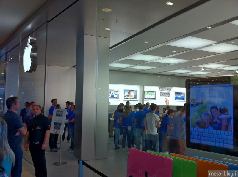 Big applestorecampaniainaugurazione 00