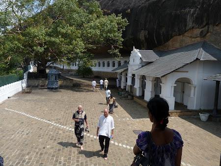 Atractii Sri Lanka: templele din stanca de la Dambulla