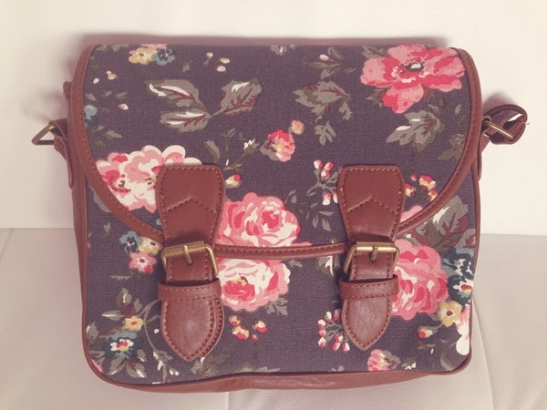handbag_boohoo_satchel_floral_print_cute_girly_woman_blog_ssfashionworld_review