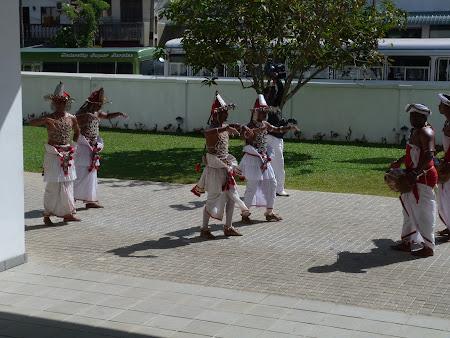 Hotel Citrus Hikkaduwa: dansatori de Kandy