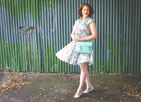 6 Tips for Postpartum Vintage Style | Lavender & Twill
