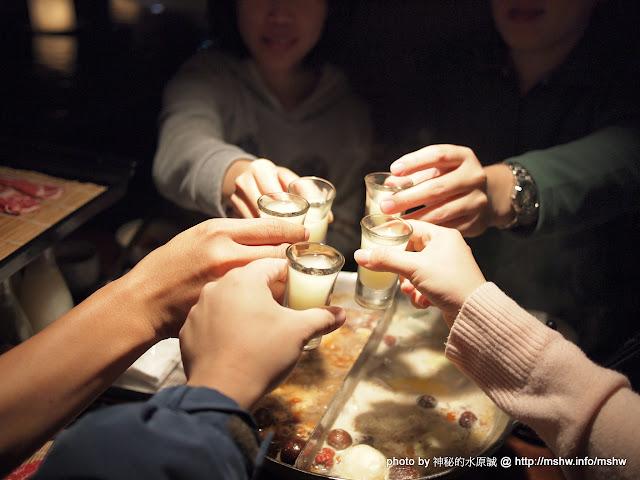 """新年快樂之過年就是要吃鍋咩XD ~ 再訪台中""""無老鍋"""" 中式 區域 台中市 火鍋/鍋物 藥膳 西區 豆腐 飲食/食記/吃吃喝喝 鴨血 麻辣"""