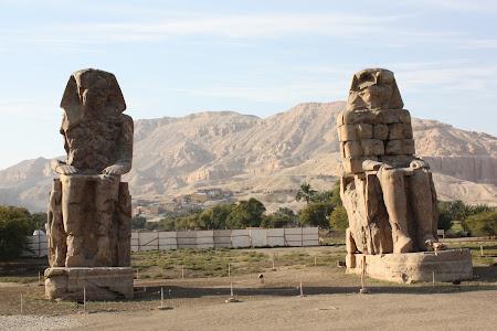 Obiective turistice Luxor: Colosii lui Memnon
