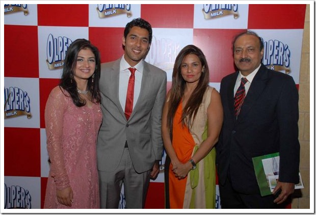 Mr_Mrs_Aisam_Ul_Haq_with_Frieha_and_Ihtisham_Qureshi