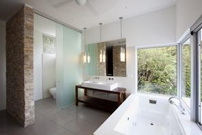 baño-de-diseño-lavabo-y-bañera-moderna