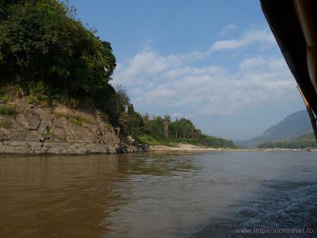 Prin Laos, cu barca pe Mekong