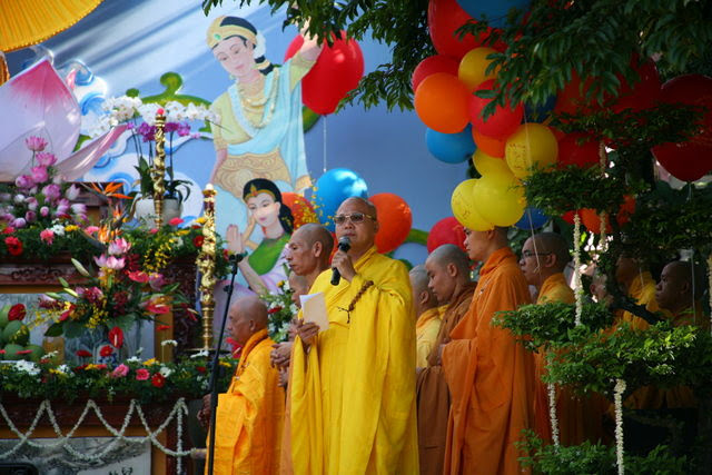 IMG 1727 Đại lễ Phật đản PL 2557 tại Tu viện Quảng Hương Già Lam