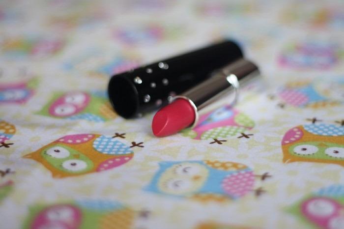 Review Autography Raspberry Swarovski Lipstick (3)
