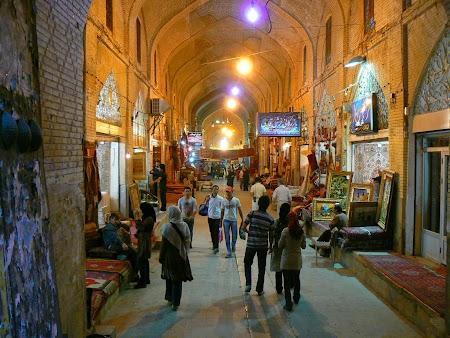 09. Bazarul din Shiraz, Iran.JPG