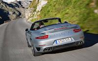 2014-Porsche-911-Turbo-Cabriolet-02.jpg