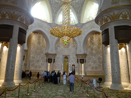 04. Interior Sheikh Zayed Mosque.JPG