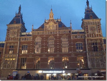 Amsterdam. Central Station. Exterior - DSC_0110