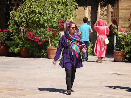04. Haine femeie Iran.JPG